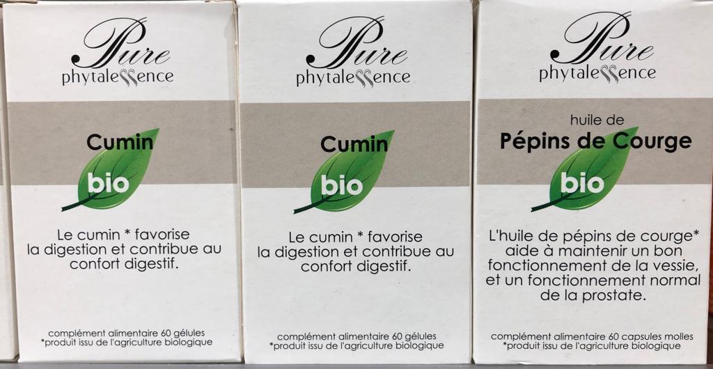 PHYTALESSENCE conçoit et distribue des compléments alimentaires, et se positionne résolument dans le haut de gamme, tant par le choix de ses ingrédients, des concentrations d'actifs, que par celui de ses formules. Un seul objectif : l'efficacité !Fabriqués en France, les produits PHYTALESSENCE sont le reflet d'un engagement pris pour garantir le meilleur à ses consommateurs. D'origine naturelle, ses compléments alimentaires sont formulés à base de plantes et de nutriments essentiels (vitamines, minéraux, acides aminés, enzymes) dont les bénéfices ont été validés. De même, ses gélules 100% végétale, sont de nature à renforcer la qualité et le naturel de sa marque.Les produits PHYTALESSENCE s'articulent désormais autour de trois gammes. La gamme Premium et Les Spécifiques constituent, à eux seuls, la réponse adaptée aux besoins et aux maux de chacun, sur la base d'un traitement de fond. Les Essentiels, quant à eux, sont issus directement de la gamme Premium et sont aussi efficaces. Ils répondent simplement à des maux passagers.Uniquement présente en Pharmacies et Parapharmacies, PHYTALESSENCE marque une volonté affichée de s'associer au conseil et à la compétence d'un Pharmacien afin que chaque consommateur utilise au mieux ses produits, et en fonction de son état de santé.La marque PHYTALESSENCE est connue et reconnue pour la diversité et l'efficacité de ses produits aux actifs remarquables. En adéquation avec la réglementation en vigueur, et toujours à l'écoute, PHYTALESSENCE s'inscrit au quotidien pour développer des produits correspondants aux attentes de ses clients.Votre satisfaction est notre ambition !